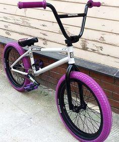 's new whip - Bmx Bikes - Ideas of Bmx Bikes - 's new whip Bmx Bike Parts, Bmx Bicycle, Bmx Scooter, Velo Design, Bicycle Design, E Skate, Bmx Freestyle, Bike Parking, Vintage Bicycles