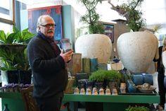 Decorador holandês realiza curso de arte floral em Holambra
