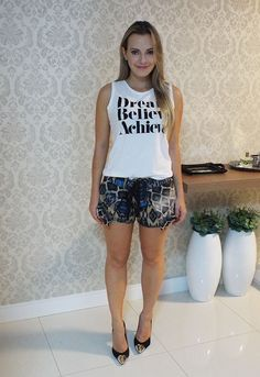 T-shirt  e shorts estampado