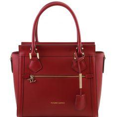 Diese italienische ruga leder Handtasche hat 1 Kompartiment Innenreissverschlussfach 2 Multifunktionsfächer Hardware Goldfarbig - € 216,00
