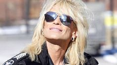 Michael Monroe swears in the name of rock.