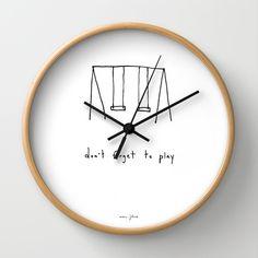 Pomysłowy zegar do pokoju młodzieżowego - don't forget to play (Marc Johns)
