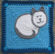 """Sarah, thank you for following all my boards. #freecrochetpattern #crochetHere Kitty, Kitty - 12""""Square  http://www.ravelry.com/patterns/library/here-kitty-kitty—12-squarePIN IT https://www.pinterest.com/pin/409827634817689265/"""