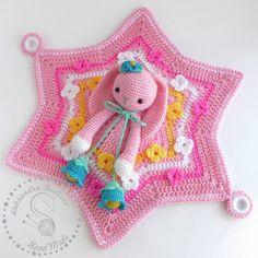 """Комфортер """"Заинька"""" самая первая игрушка малыша, нежная, мягкая... Описание изделия Назначени Crochet Security Blanket, Crochet Lovey, Baby Security Blanket, Crochet Dolls, Easy Crochet, Free Crochet, Knit Crochet, Crochet Hats, Snuggle Blanket"""