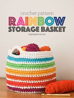 FREE Crochet pattern, rainbow storage basket from t-shirt yarn Crochet Home, Crochet Crafts, Crochet Yarn, Free Crochet, Crochet Projects, Crocheted Toys, Crochet Basket Pattern, Crochet Patterns, Crochet Baskets