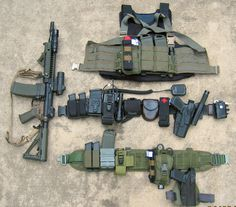 (t) Duty Gear Loadout (Photo by UrbanRunner)