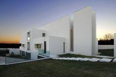Dise�o Minimalista Casa Camarines  / Arquitectura A-cero, Espa�a