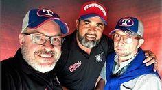 """Ahora serán más interesantes esas ruedas de prensa!  @Regrann from @diarioprimicia -  Oswaldo Guillén es el nuevo mánager con Tiburones de La Guaira  Oswaldo Guillén ya firmó para ser el nuevo mánager de los Tiburones de La Guaira para la próxima temporada de la pelota venezolana. Tal cómo lo informó el diario deportivo Líder el fin de semana el exmánager de Grandes Ligas consiguió cuadrar con los """"escualos"""" para dirigir por primera vez en Venezuela.  Foto: Cortesía  #PRIMICIA #PrimeroYMejor…"""