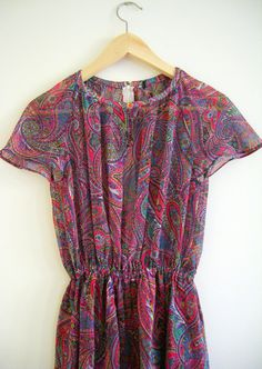 Vintage Dress Paisley Colors. 70s Japanese day dress on Etsy, 39,00€