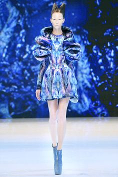 Alexander McQueen Spring 2010 (will forever be one of my favourite shows)