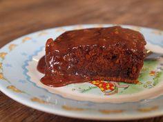 Pioneer Woman's Chocolate Sheet Cake Recipe Best Meat Dishes, Sheet Cake Recipes, Sheet Cakes, Bellini Recipe, Meat Restaurant, Meat Loaf Recipe Easy, Cake Icing, Meatloaf Recipes, Chocolate Cake