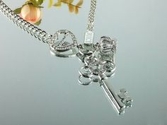 Juicy Couture Necklace Crown & Key Charm $31.06