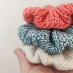 3 in 1 Crochet Scrunchies Pattern – Savlabot Free Knitting, Free Crochet, Knitting Patterns, Knit Crochet, Dishcloth Crochet, Loom Knitting, Crochet Doilies, Crochet Ideas, Tejidos