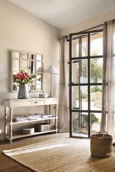 Beautiful Entry Table Decor Ideas to give some inspiration on updating your house or adding fresh and new furniture and decoration. Home Interior, Interior Design Living Room, Country House Interior, Interior Livingroom, Kitchen Interior, Living Room Colors, Living Room Decor, Entry Tables, Country Style Homes