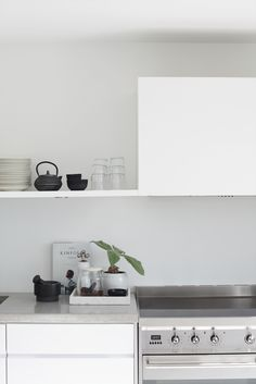 white kitchen, concrete worktop