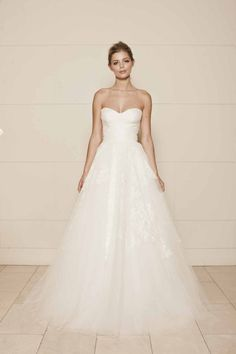 There's something about tulle wedding dresses that evokes a regal spirit. For the bride who wants to create a classic, polished look on her wedding day, soft tulle is the perfect touch. Check out a few of our absolutely favorite tulle wedding dress below, and pin all your favorites! Featured Dress: Lisa Gowing Featured Dress: […]