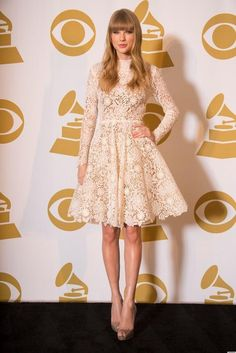 Taylor Swift Cute And Nice Full Lace Knee-Length Party Dresses 2015 New A Line Bateau Neckline Backless Long Sleeves Party Gowns