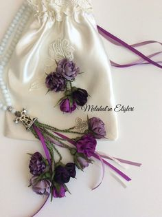 Melahat'ın Tasarımları ve Elişleri   TESBİH Ribbon Embroidery, Quran, Drawstring Backpack, Knitting, Wedding, Bags, Design, Fashion, Feltro