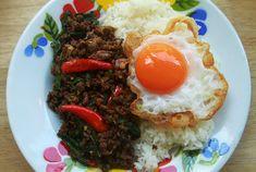 Best Pad Kapraos in Bkk Beef Sirloin, Beef Tenderloin, Aged Beef, Smoky Bacon, Beef Liver, Food Stall, The Dish, Street Food, Ground Beef