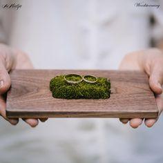 Ring bearer box - ring bearer pillow - wooden wedding ring holder - rustic ring box from Etsy Alternative Wedding Rings, Wedding Rings Simple, Trendy Wedding, Elegant Wedding, Ring Holder Wedding, Ring Bearer Box, Ring Pillows, Wood Rings, Woodland Wedding