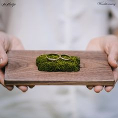 Ringkissen aus Holz, Natur, Hippie Hochzeit / wooden wedding ring holder, ring bearer for a rustic natural wedding made by Woodstorming via DaWanda.com