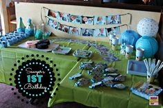 Creative yet do-able! That's what we love about how Jennifer at momspotted.com put together this Mickey Mouse 1st Birthday Party for her little guy Sawyer!