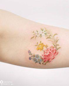 Flower Tattoos For Girls and Women: wildflower tattoo on arm; lotus tattoo on arm; floral tattoos, flower tattoos for women. Flower Bouquet Tattoo, Birth Flower Tattoos, Rose Tattoos, Body Art Tattoos, Tattoo Flowers, Dainty Tattoos, Small Tattoos, Tattoo Girls, Girl Tattoos