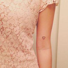 tatuagem no pulso de coração - Pesquisa Google