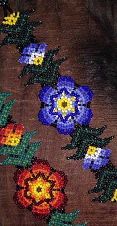 Huichol Beaded Bracelets par DuendeRising sur Etsy Beaded Braclets, Seed Bead Bracelets, Beaded Earrings, Seed Beads, Beaded Jewelry, Beaded Necklace Patterns, Beading Patterns, Native Beadwork, Native American Beading