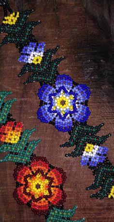 Huichol Beaded Bracelets par DuendeRising sur Etsy