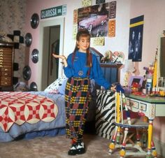 Clarissa Explains It All, Full House, Saved By The Bell and other classic TV show homes from this era were responsible for some serious design envy in kids—take our quiz to find out which rad room you're meant to live in. Retro Room, Vintage Room, Bedroom Vintage, Vintage Teenage Bedroom, My New Room, My Room, Bedroom Inspo, Bedroom Decor, Clarissa Explains It All
