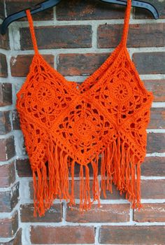 Summer Price Sale Was - Now Crochet Top, Boho Top, Retro Style, Hippie Style halter top ❤ This is a sexy and Oh-so-cute hand crochet Granny Square Top or Halter Top with fringe in the beautiful color of Papaya. Its made from Cotton yarn. This post was d T-shirt Au Crochet, Crochet Fringe, Crochet Crop Top, Crochet Blouse, Crochet Granny, Hand Crochet, Crochet Stitches, Crochet Bikini, Crochet Patterns