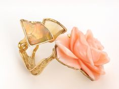 Bagatelle ring by Thierry Vendome - Yellow gold, opal and coral angel skin.