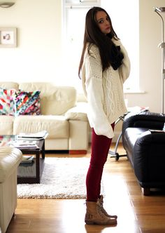 What to wear with red jeans: oversized sweater and lace-up boots @Chloe Turner