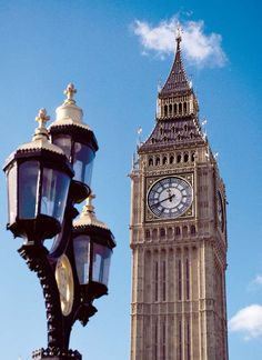 El famoso reloj Big Ben, en Londres, Inglaterra.