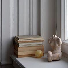 @apieceofjune • Instagram-fényképek és -videók Daily Mood, Marble, Instagram, Sculpture, Interior, Vintage, Home, Design, Style