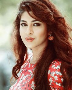 Sonarika beautiful looks Most Beautiful Faces, Most Beautiful Indian Actress, Beautiful Actresses, Indian Celebrities, Bollywood Celebrities, Bollywood Actress, Indian Tv Actress, Indian Actresses, Sonarika Bhadoria