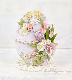Wild Orchid Crafts: My first Easter cards: cards shabby chic My First Easter, Easter Egg Crafts, Diy Ostern, Wild Orchid, Shaped Cards, Egg Art, Artist Trading Cards, Egg Decorating, Vintage Easter