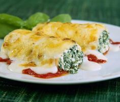 Recipe for baked cannelloni filled with spinach and ricotta.: Spinach and Ricotta Cannelloni