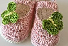 Baby shoes for 6 to 9 months Crochet Baby Sandals, Baby Shoes Pattern, Crochet Baby Shoes, Crochet Baby Booties, Love Crochet, Crochet For Kids, Crochet Slippers, Baby Patterns, Knit Crochet