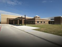 Mildred Elementary School | Claycomb Associates, Architects- shelter for bus students