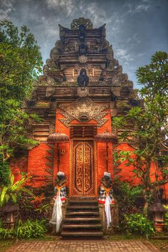 Beautiful, Eerie, Cold, Hard and a Mystery... Like! - Pura Puseh/Pura Desa Puseh - Batuan - Bali - Indonesia, via Flickr.