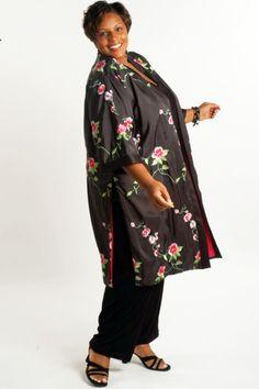 Plus Size Mother of Bride Kimono Coat Embroidered Roses Taffeta Black Pink Green Plus Size Vintage Dresses, Formal Dresses With Sleeves, Plus Size Gowns, Plus Size Outfits, Dressy Dresses, Beach Dresses, Mother Of The Bride Jackets, Mother Of The Bride Dresses Long, Dresser