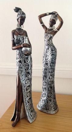 Alexandra Fadin et ses sculptures en papier alu African American Figurines, African American Art, African Women, African Fashion, Tin Foil Art, African Furniture, African Art Paintings, African Dolls, African Sculptures