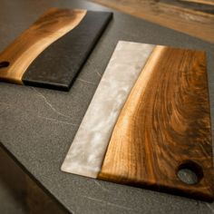 What's the 𝘀𝗲𝗰𝗿𝗲𝘁 to making an 𝗲𝘅𝗾𝘂𝗶𝘀𝗶𝘁𝗲 charcuterie board that leaves your friends raving and your enemies seething? It's simple... To build a beautiful charcuterie board, you need a beautiful serving board. 𝐈. 𝐜𝐚𝐧'𝐭. 𝐬𝐭𝐫𝐞𝐬𝐬. 𝐡𝐨𝐰. 𝐢𝐦𝐩𝐨𝐫𝐭𝐚𝐧𝐭. 𝐭𝐡𝐢𝐬. 𝐢𝐬. And that's exactly why I hand-crafted this beautiful live-edge + resin piece 🙂 Check it out on my website! Diy Resin Wood Table, Epoxy Resin Wood, Space Saving Furniture, Cool Furniture, New Project Ideas, Woodworking Tutorials, Wine And Cheese Party, Wood Shop Projects, Barn Wood Crafts