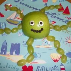 under the sea week-food: Octopus (apple, grapes, mini marshmallow, raisins or chocolate chips)