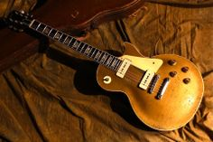 1955 Gibson Les Paul Goldtop @ Hyper Guitars (photo #1)
