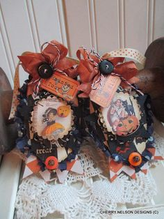 Vintage Halloween Ornaments Old Fashion Halloween Set Of Two Tags Handmade Ornaments Decoration - Halloween Makeup Halloween Treat Boxes, Halloween Eve, Halloween Paper Crafts, Samhain Halloween, Vintage Halloween Decorations, Halloween Ornaments, Halloween Projects, Handmade Ornaments, Making Ideas