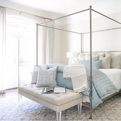 Transformation Monday of this girl's bedroom! Swipe ➡️ (right) for the before! Blue Decor, Guess Bedroom, Minimalist Bed, Blue Bedroom Decor, Blue Bedding, Pale Blue Bedrooms, Guest Bedroom Decor, Blue Master Bedroom, Elegant Bedroom Decor