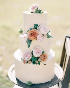 Simple cake decorated with garden roses